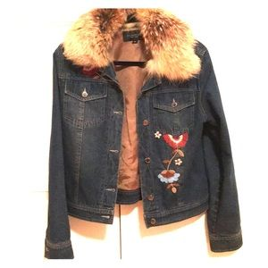 Jackets & Blazers - Embroidered denim jacket with removable fur ❤️